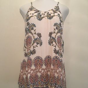 Daytrip Floral tank. Size large. Great condition.